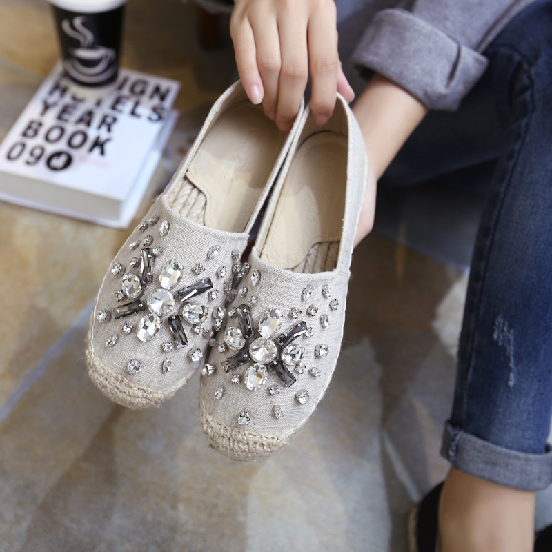2017 Sparkly Crystal Rhinestones Espadrilles Woman Loafers Girls Slip On Shoes Women Flats Comfortable Round Toe