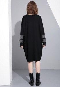 Image 5 - [EAM] 2017 סתיו החורף עגול צוואר שרוול ארוך מוצקה צבע שחור diamoned JC33201 גאות אופנה נשים רופפת גודל גדול