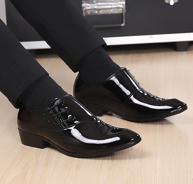 New Fashion Men Office Shoes Bright Patent Leather Dress Male Soft Wedding Oxford