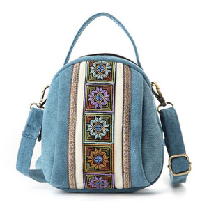 Image 2 - 2020 New Women Messenger Bags National Embroidery Mini Canvas Totes Zipper Mobile Phone Coin Purse Shoulder Bag