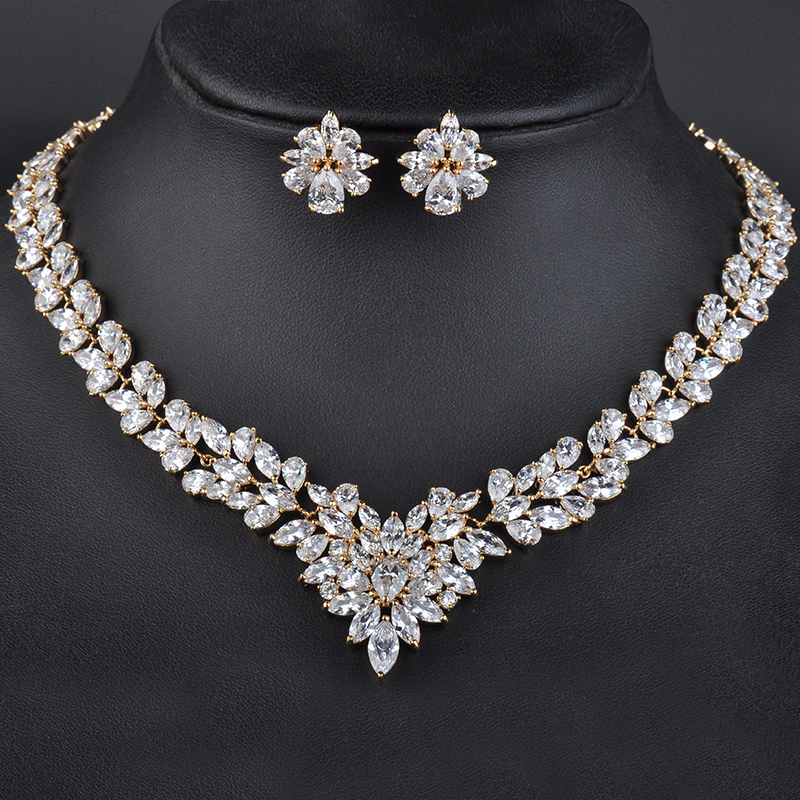 Fashion New women Jewelry Sets Rhinestone Flower Necklace Earrings Dangle Pendants Gold Color Crystal Party gift