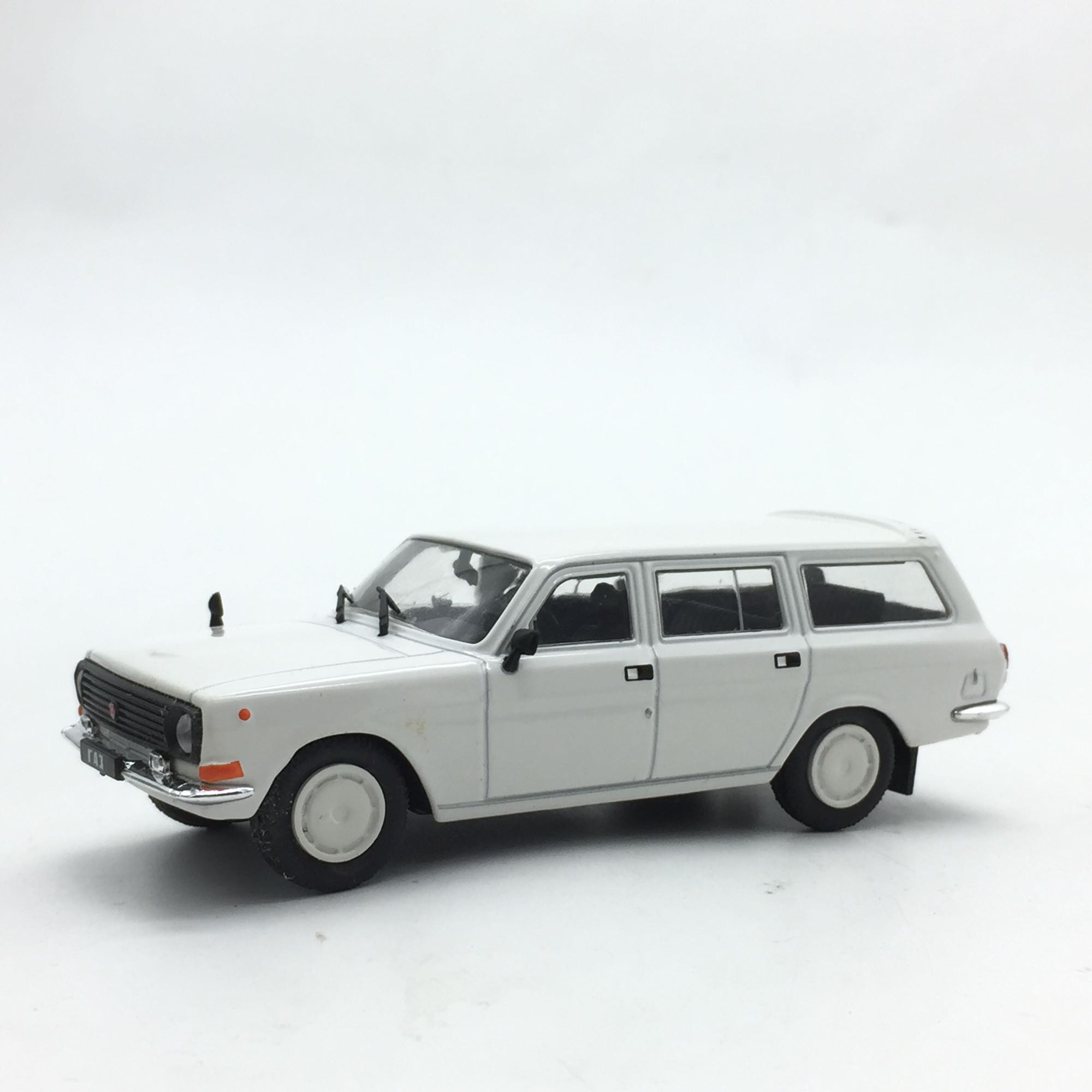 1:43 Alloy Vehicle Model Of Soviet Travel Vehicle Model Toy
