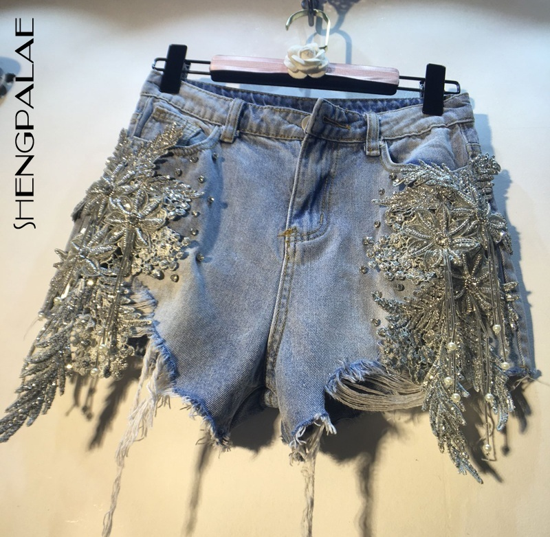 SHENGPALAE 2019 Summer Split Joint Pearl Paillette Three-dimensional Flower High Waist  Holes Denim Fashion Shorts Woman FN751