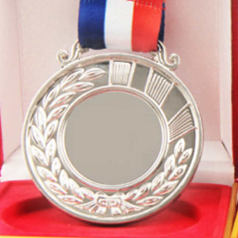 Factory direct 2018 new customized blank medal, spot metal sports medal, runner competition award medal, metal souvenir custom