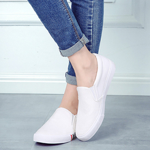 2018 Spring and Autumn new fashion breathable canvas shoes sneakers Leisure women's shoes Casual Boards Low Couple Shoes