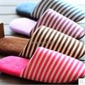 Бесплатная доставка 2014 мода новый популярные осенью и зимой теплые мужчины и женщины хлопок-ватник любителей на домашние тапочки полосой обувь