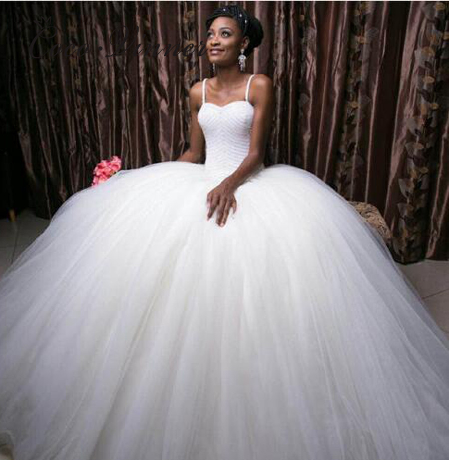 Princess Style Wedding Gowns: Luxury Pearls Beading Straps African Ball Gown Princess