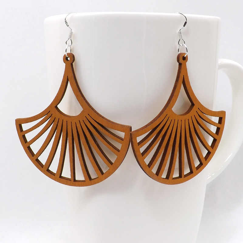 Qiaohe 1 Pair Good Quality Wood Earrings Organic brown Hollow African Woman Wooden Brincos Pendant 6.0x6.2cm/2.4x2.4'' E53
