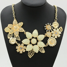 European temperament Flower Necklace Pendant with gardenia sweater chain Z3158