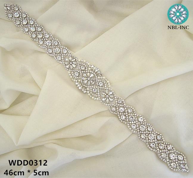 (30 azn) Gel geyimi üçün gümüş rhinestone kristal applikues üzərində əlli boncuklu tikişli gəlin tikə dəmir WDD0312