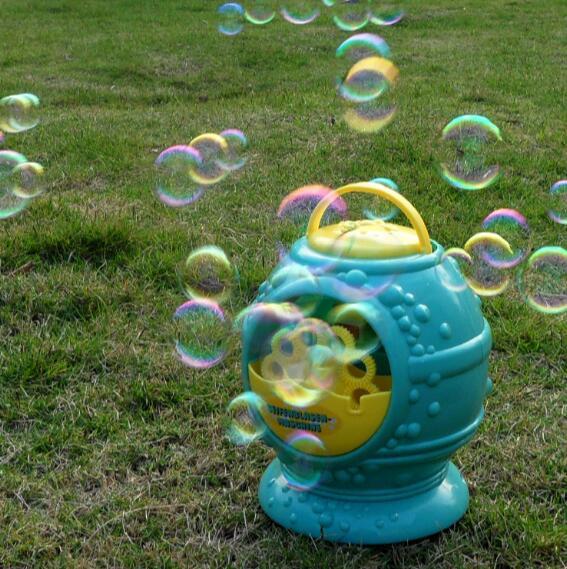 Electronic-automatic-bubble-machine-blue-plastic-bubble-blowing-soap-bubbles-baby-toys-3