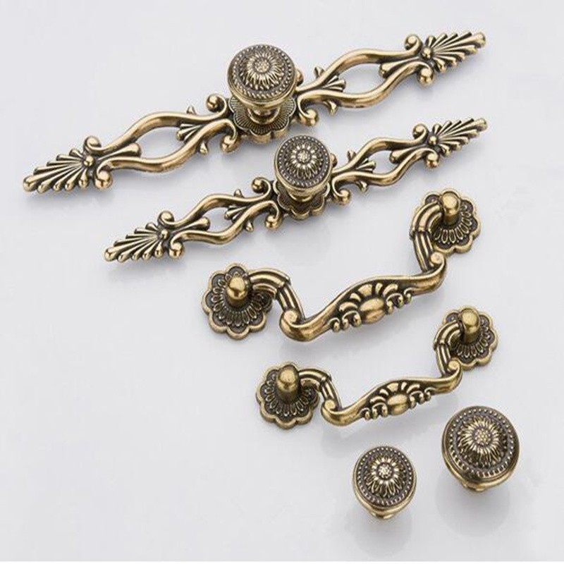 Metal hole retro carved cupboard door handle European bronze bookcase wardrobe drawer knobs pull Furniture Hardware
