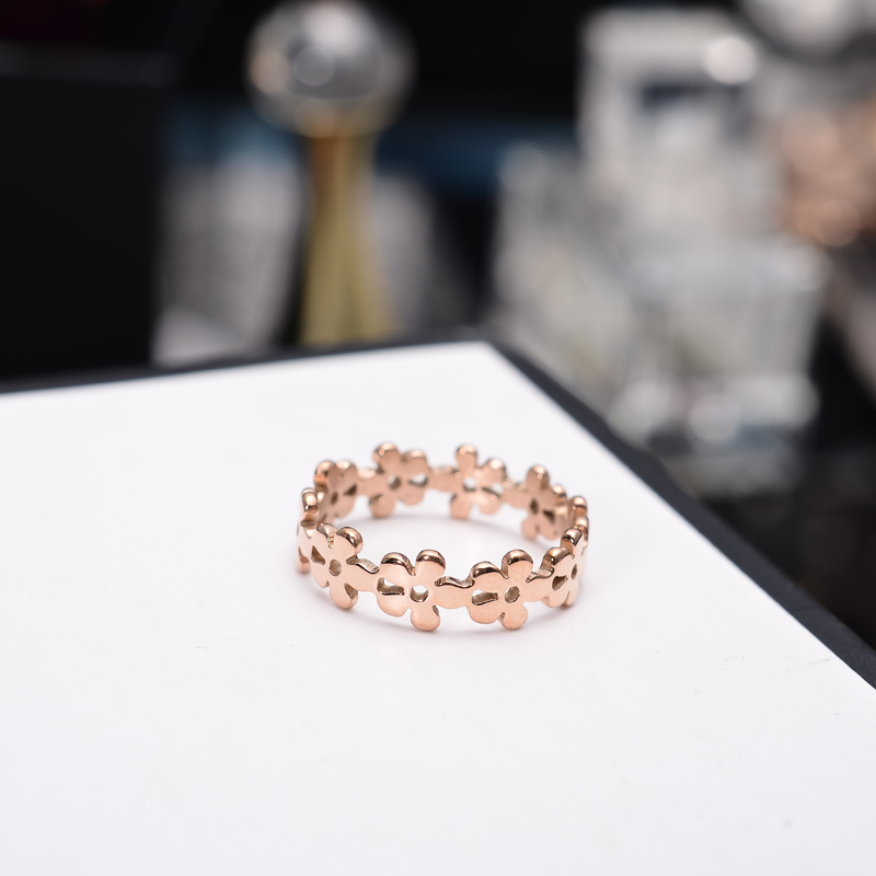 YUN RUO Rose Gold Silver Colors Flower Finger Ring for Woman Girl Wedding Jewelry 316L Rostfritt stål High Polished Aldrig blekna