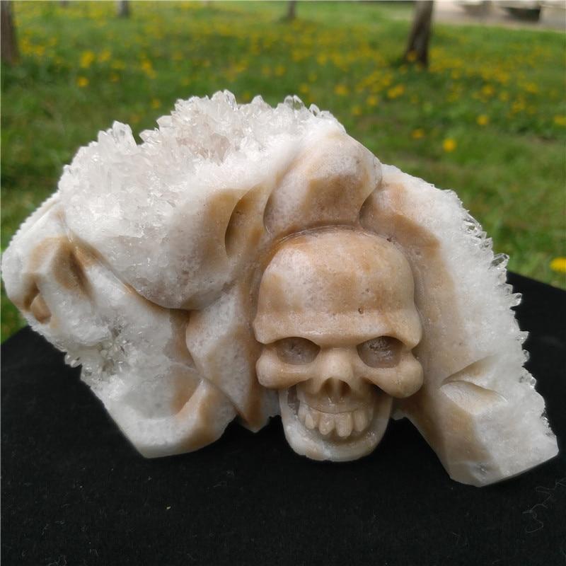 877g charmant cristal Cluster crâne sculpté à la main cristal naturel crâne pour la décoration brillant attrayant Clusterr crâne