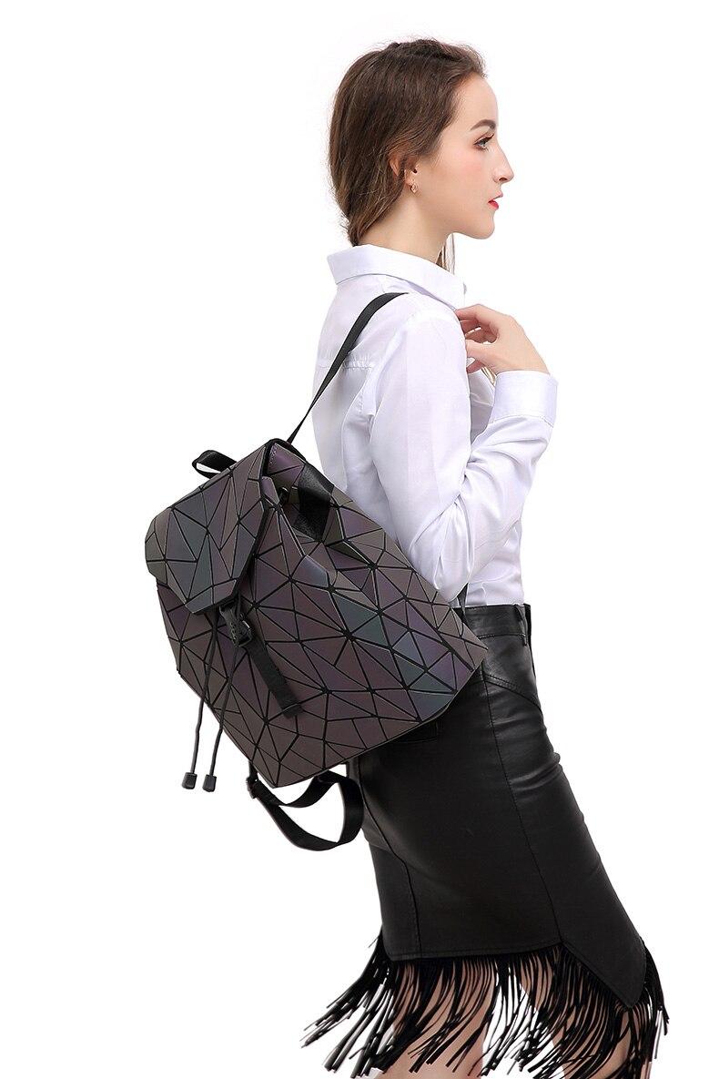 HTB1mBBDV7zoK1RjSZFlq6yi4VXaz Women Backpack Luminous Geometric Plaid Sequin Female Backpacks For Teenage Girls Bagpack Drawstring Bag Holographic Backpack