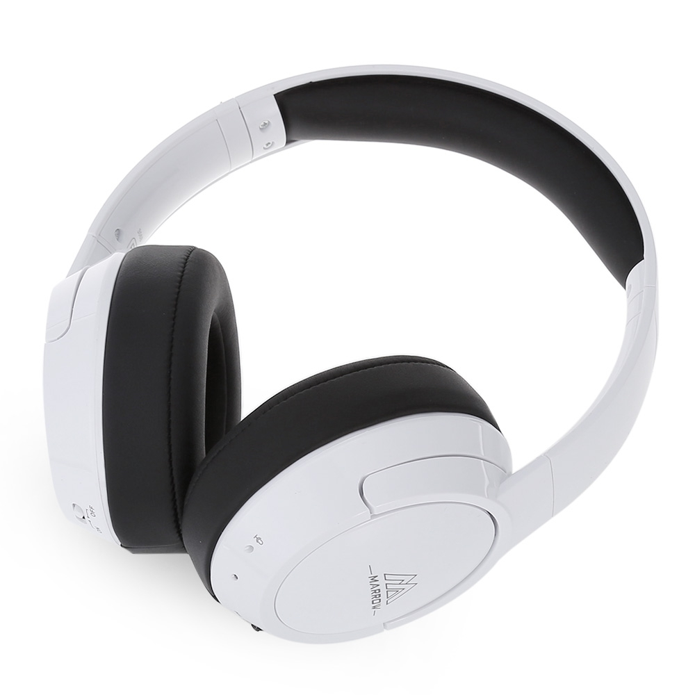 A headband with built-in headphones to help you comfortably fall asleep while listening to music foto