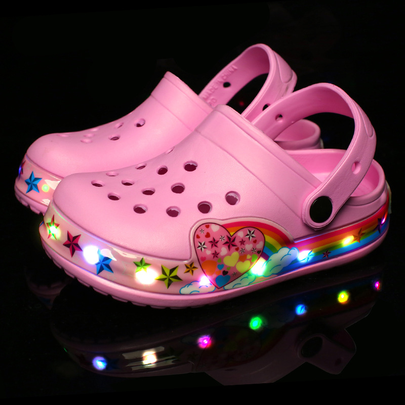 2018 New Cool Car Children LED Sandals Girls Pink Kid Lighting Garden Shoe Boys Blue Beach Sandals Summer Mules And Clogs