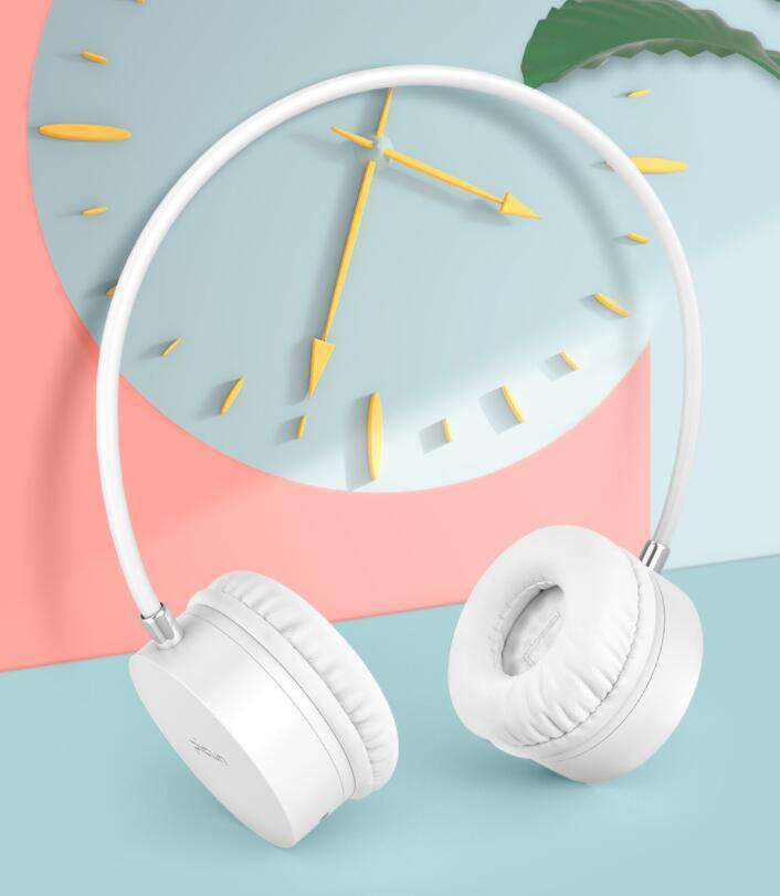 Picun B20 Bluetooth Wireless Headset Bluetooth Headset Leather Stand Metal Case Headphone Microphone Connect Mobile Phone in Bluetooth Earphones Headphones from Consumer Electronics
