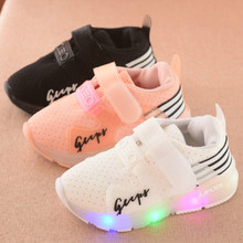 2017 Newest Baby Toddler Soft Bottom Breathable Baby Sports Shoes Boys Girls Fashion Sneakers Children's LED Casual Shoes