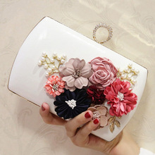 2018 Luxury Ladies Clutch Bag White Women Evening Bags Female Pink Wedding Day Clutches Purses Rhinestone Party Chain Hand Bag цена