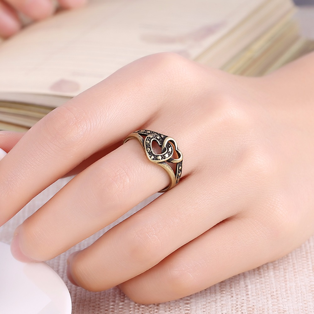 Lovers Wide love two hearts together retro bronze Rings fingers wear ...