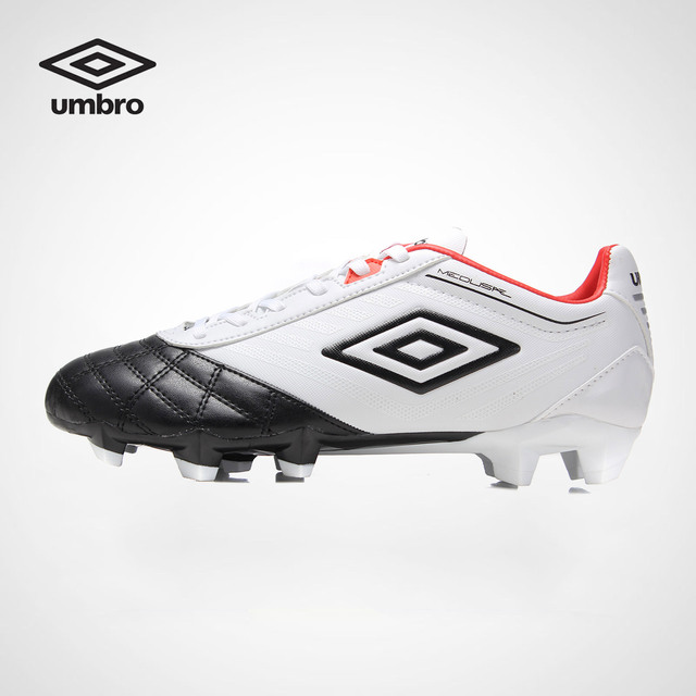 Umbro Football Shoes Men New Rubber Soles Anti Slip Adult Students Professional Training Sneakers Sports Shoes UCB90139