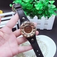 New Fashion Top Brand Luxury Women Wrist Watch Creative Diamond Rhinestone Female Watch Casual Quartz Leather Watches Feminino