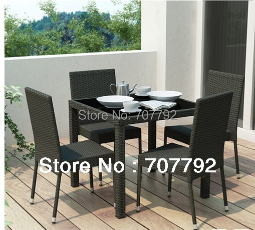 Nuevo 5 pieza de mimbre Patio comedor mesa de comedor y sillas en ...