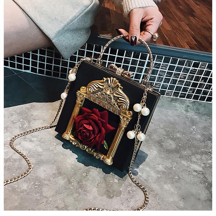 2018 NEW Rose 3D Palace Sculpture Frame Bag Luxury Handbags Women Party Bags Designer Lady Cute Shoulder Messenger Bag Sac Tote 33
