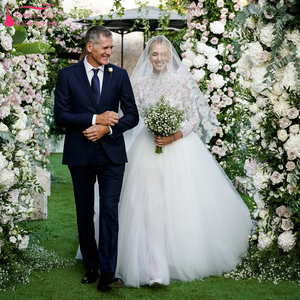 Image 1 - Tijdloze Kant Lijfje Trouwjurken 2019 Lange Mouwen Tulle Afneembare Overskirts Elegante Bruidsjurken Noivas ZW153