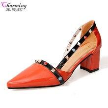 2017 Летние женские туфли-лодочки модная обувь с заклепками женские босоножки с острым носком удобные Квадратные каблуки качества обувь на высоком каблуке Orange телесного цвета