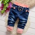 Envío gratis 2016 de primavera y otoño los niños pantalones de mezclilla, baby girls jeans pantalones, pantalones del cabrito #Z1565