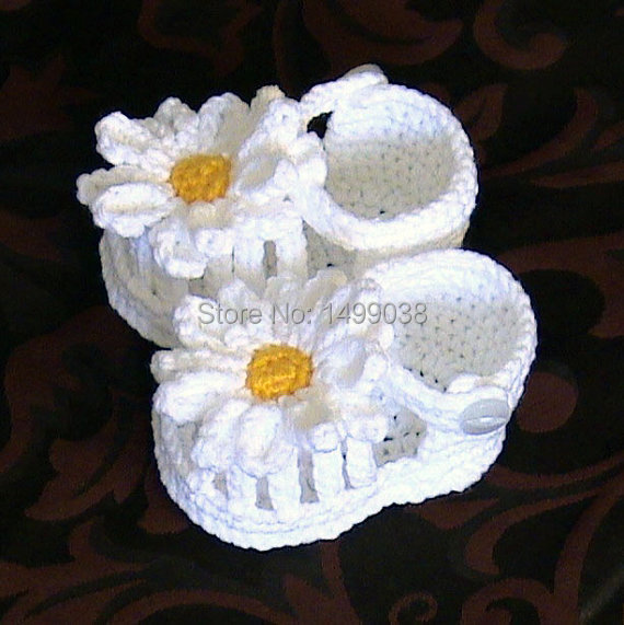Crochet Sandals baby white flower shoes ,Crochet daisy girl shoes ...