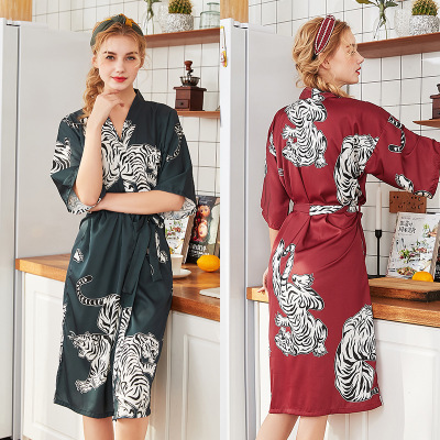 Herislim Silk Satin Wedding Bride Bridesmaid Robe Women Tiger Print Bathrobe Sexy Long Kimono Night Robe Sleepwear Dressing Gown