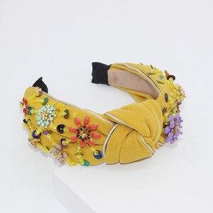 Image 3 - Nieuwe Europese en Amerikaanse Barok rijst kralen hoofdband Bohemian mode bloemen verpakt persoonlijkheid dans hoofdband 950