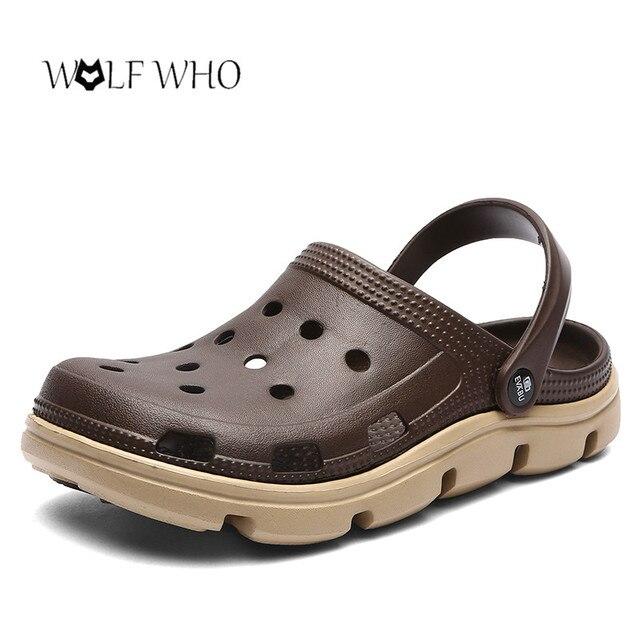 Mulas Entope Luz Respirável dos homens Sapatos Casuais Sandálias de Verão Chinelo Chinelos de Praia Homens Sapatos de Água Geléia Oco Chaussure Homme