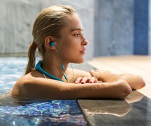 Tayogo wireless Bluetooth Waterproof MP3 Music Player headphone Sport swimming HIFI mp3 with FM bluetooth Pedometer