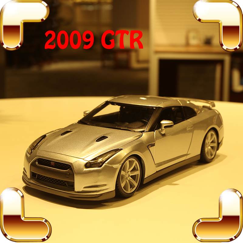 New Year Gift GT-R 1/18 Model Car Metallic Vehicle Racer Sports Car Big Model Scale Collection House Decoration Toy Alloy Car alloy diecast model trucks transport 1 50 engineering car vehicle scale truck collection gift toy
