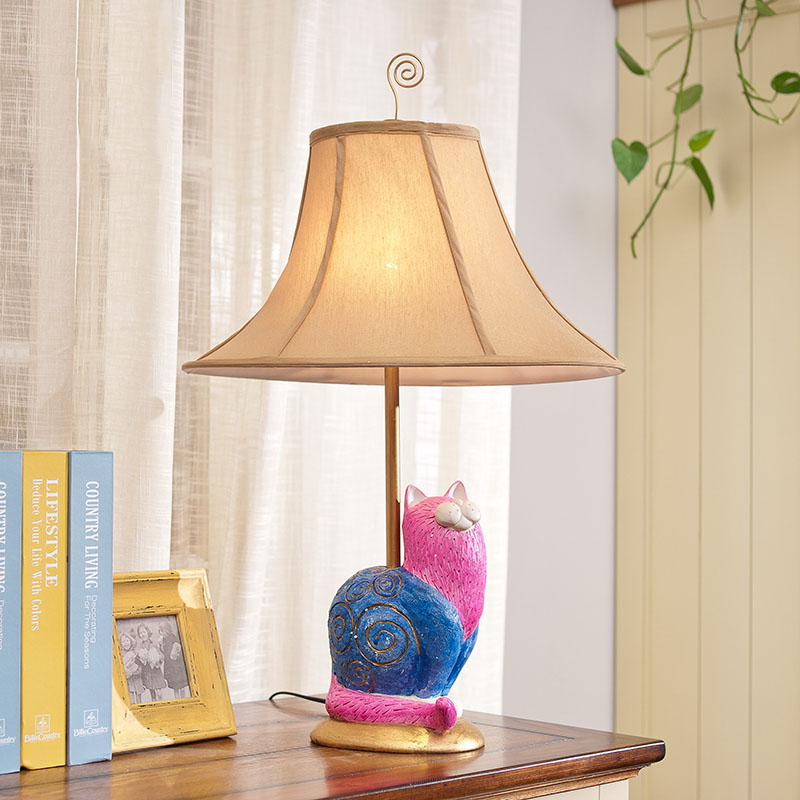 Retro Luxury Pink Cat LED Table Lamps Cloth Lampshade for Bedroom/Living Room Lighting E27 110-220V Desk Lights retro luxury peacock led table lamps cloth lampshade for bedroom living room lighting e27 110 220v desk lights