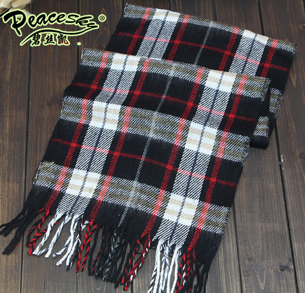 Free shipping 2015 Korean fashion shawl Europe Scarves men and women couple new winter warm cashmere