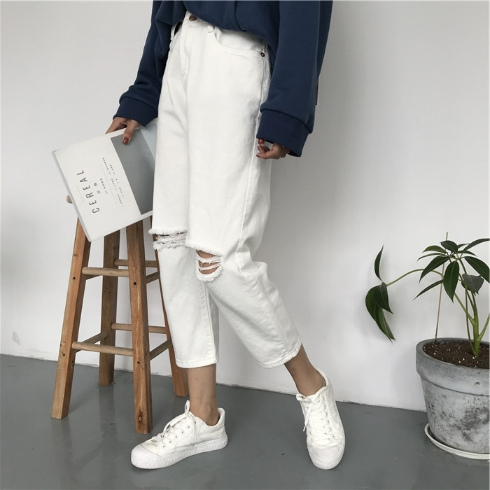 18 Summer Style Black White Hole Ripped Jeans Women Straight Denim High Waist Pants Capris Female Casual Loose Jeans 7
