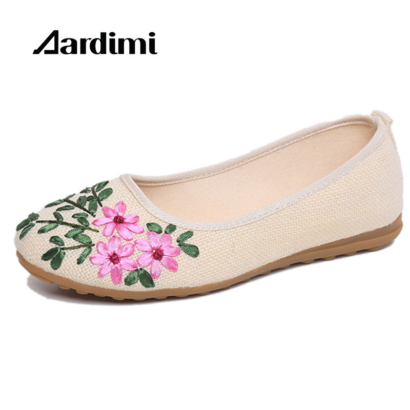 New Arrival Embroidered Ballet Flats women spring summer loafers women Ballerina Flat Shoes vintage single mother canvas shoes 2017 spring summer new women casual pointed toe loafers flats ballet ballerina flat shoes plus size 34 43