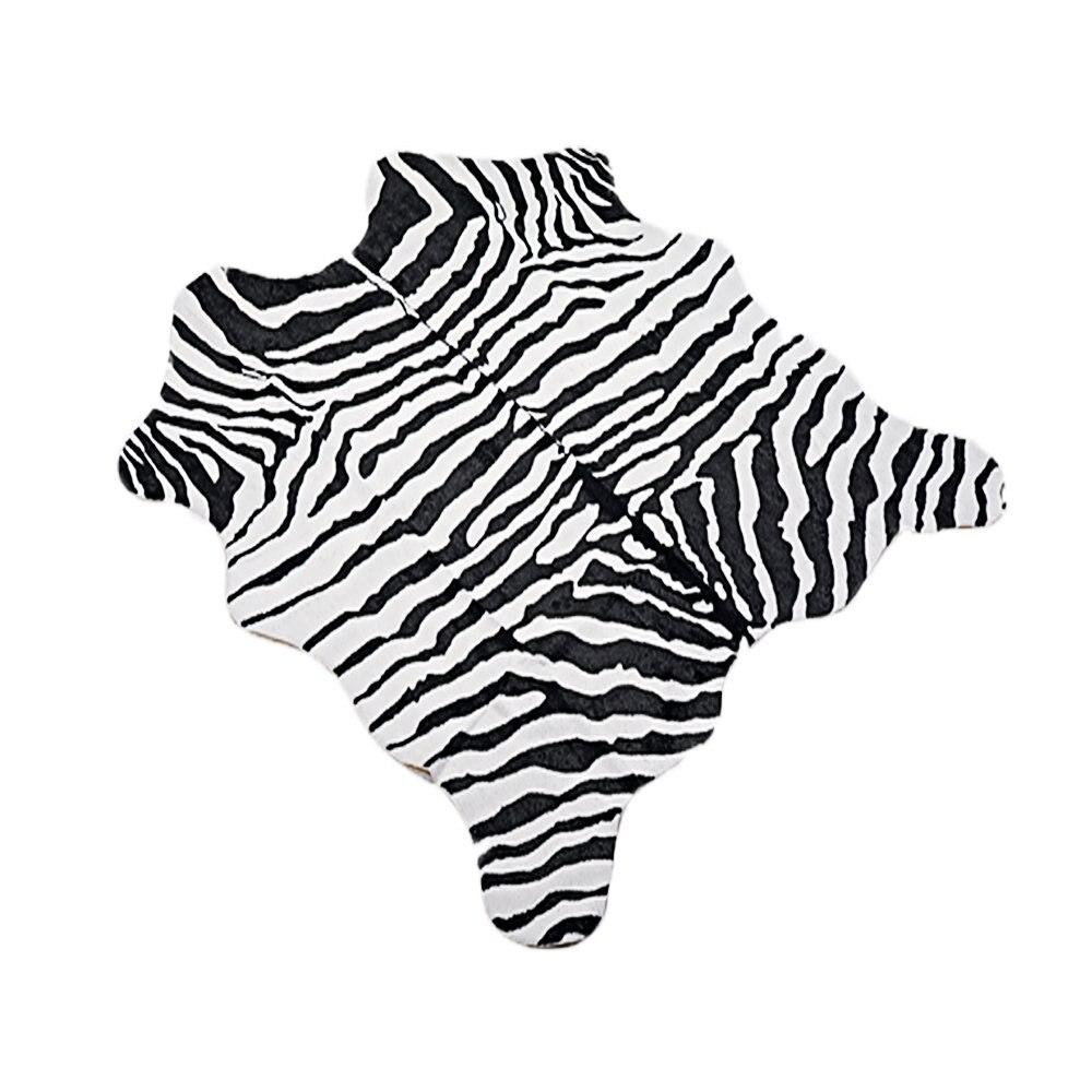 MustHome Faux zèbre imprimer zone tapis pieds mignon doux noir et blanc enfants chambre tapis pour Jungle/Safari thème 140x160