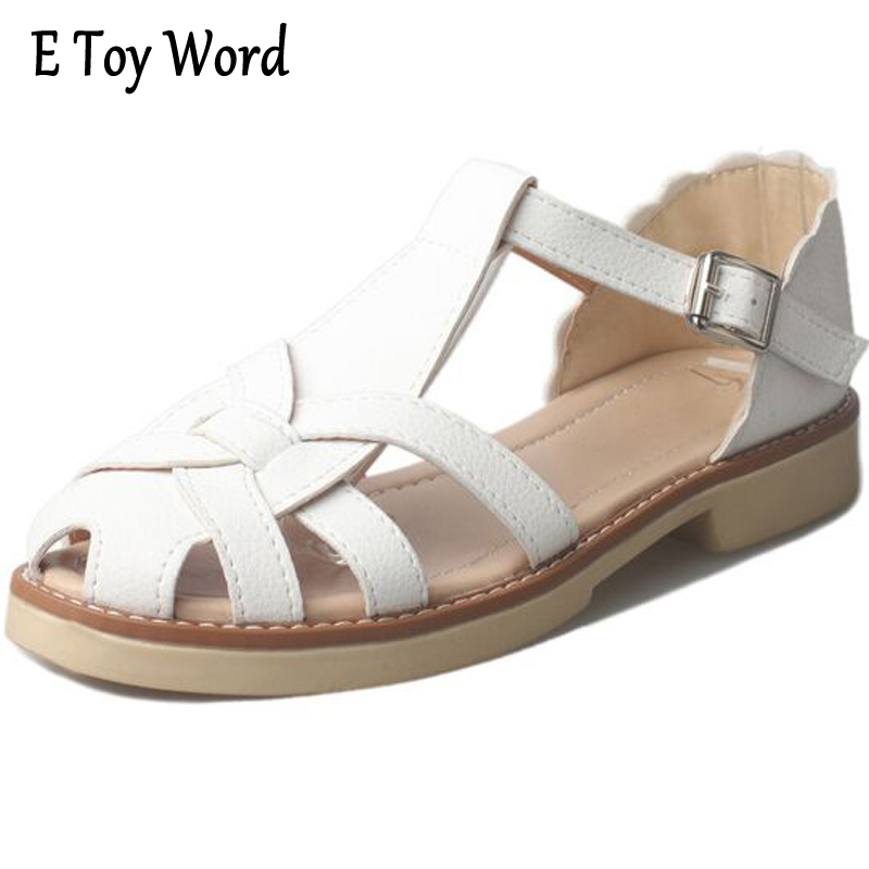 E TOY WORD Summer Euramerican Fashion Hollow flat Sandals Girl's Closed Toe Sandals Cover Heel Shoes Woman Size 35-39  xiaying smile woman sandals summer square cover heel closed toe woman pumps buckle strap fashion casual hollow flock women shoes