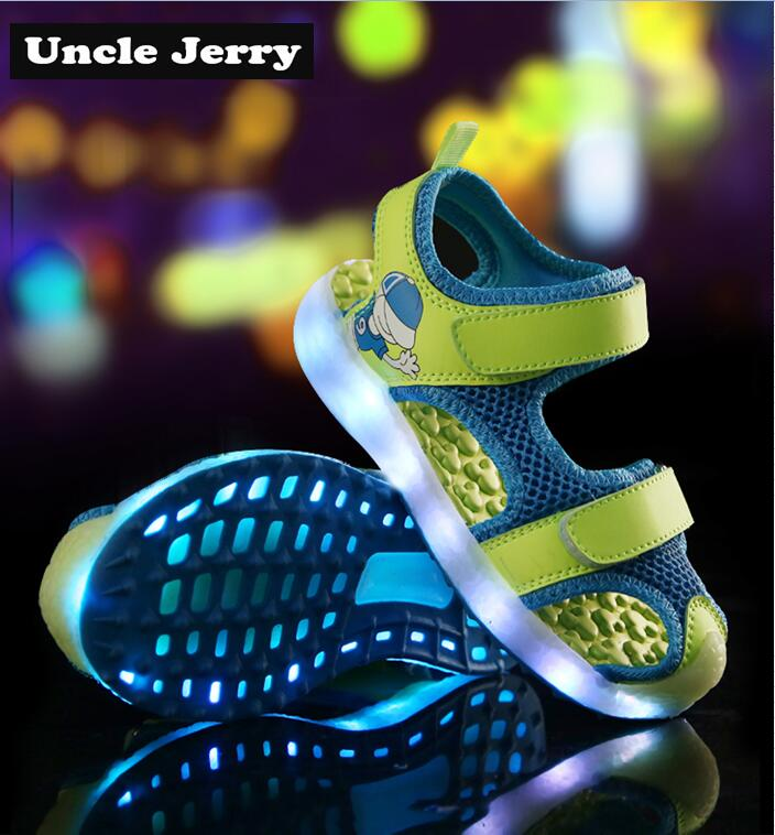 UncleJerry Kids Glowing Beach Sandals USB Rechargeable Shoes Boys And Girls Summer Fashion Sandals Comfortable Outside Shoes