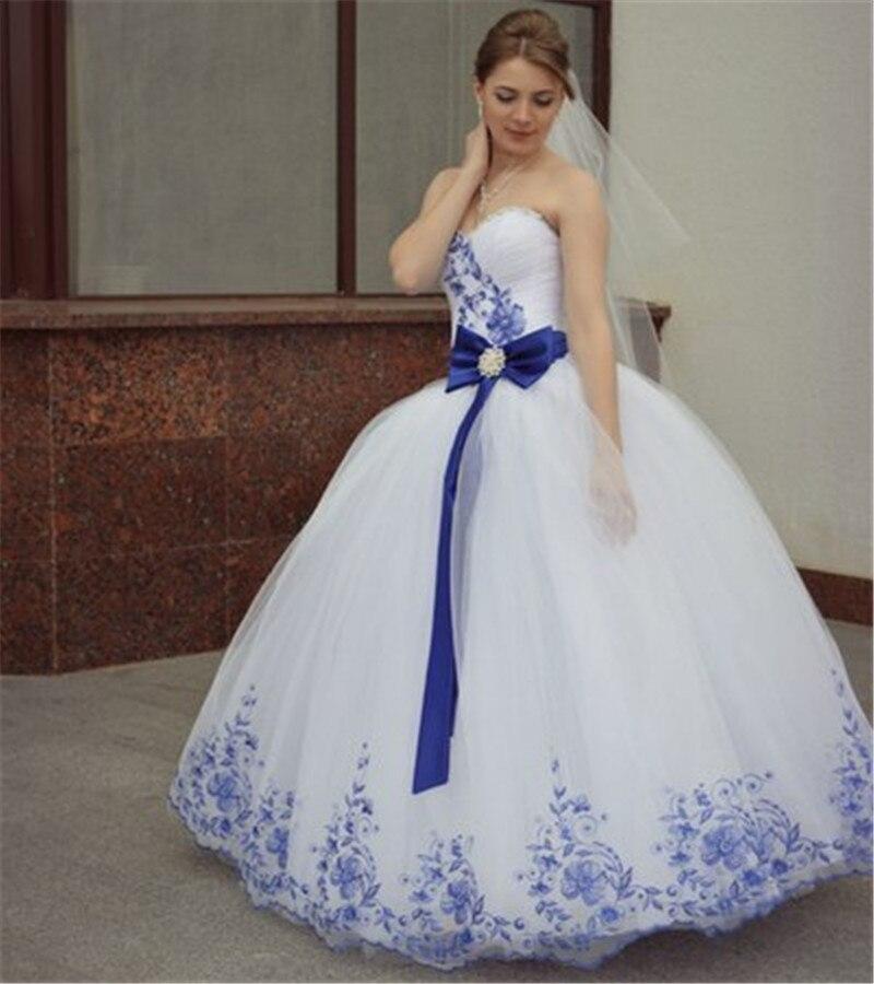 Свадебные платья белые с синим