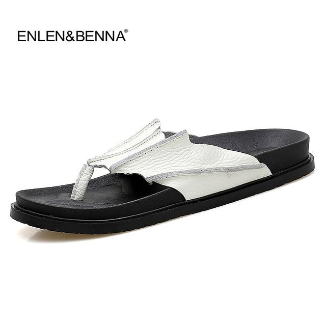 309ae4679ae57 Oryginalne Skórzane Sandały Męskie Czarne Klapki Przypadkowi Płaskie  Sandały Plaży Latem Pantofle Mężczyzn Comfort Projekt Klapki