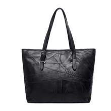Фотография 2018 High quality sheepskin Large capacity Genuine leather designer handbags fashion mochila women bag sac a dos Bolsos