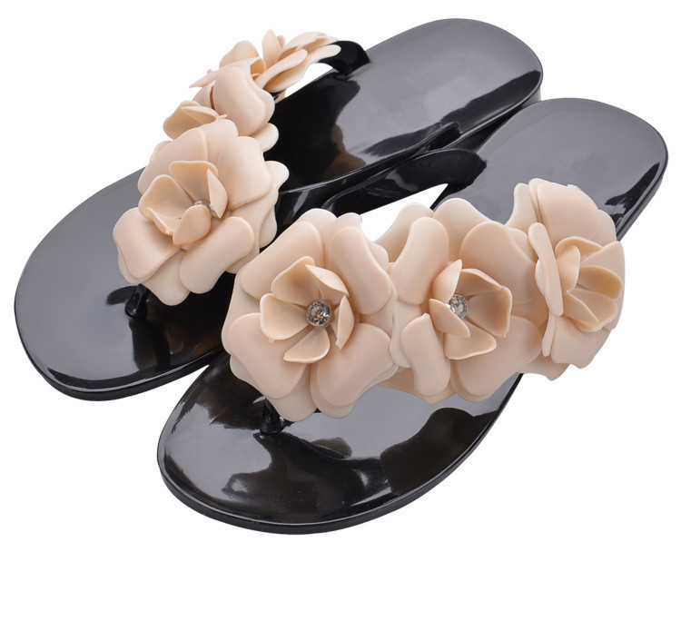 2018 New Summer Hot Women Sandals With Beautiful Camellia Flower Sweet Flip Flops sweet women s sandals with color block and flower design