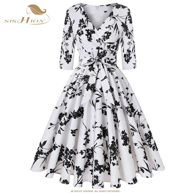 a880e1b4ceef8 US $31.87 20% OFF|SISHION Autumn Dress Women Half Sleeve Cotton Plus Size  Black Red White Large Swing 50s 60s Plaid Floral Vintage Dress SD0006-in ...